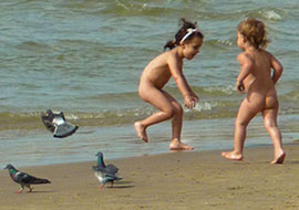 Kids-Birds-Beach-Sea_S