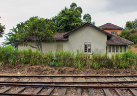 Train-House-Sri-Lanka_S