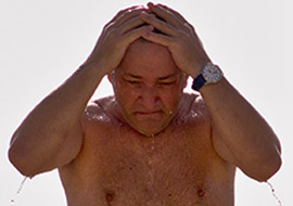Man-Woman-Shower-Beach_S