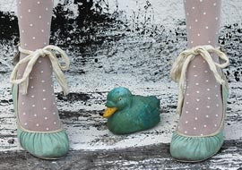 ducky-Legs-Shoes-Urban_S