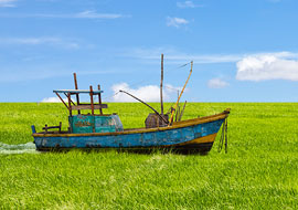 Boat-in-a-field-Sri-Lanka_Photoshop_S
