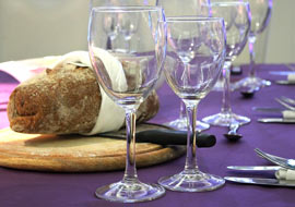 Bread_glasses_table-Freebies_S