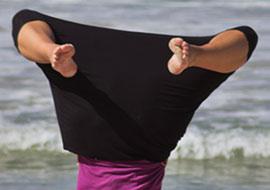 No-Head-Woman-Beach_S