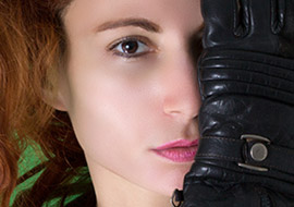 Woman-Gloves-Face_S