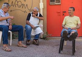 People-Sit-Talk_S